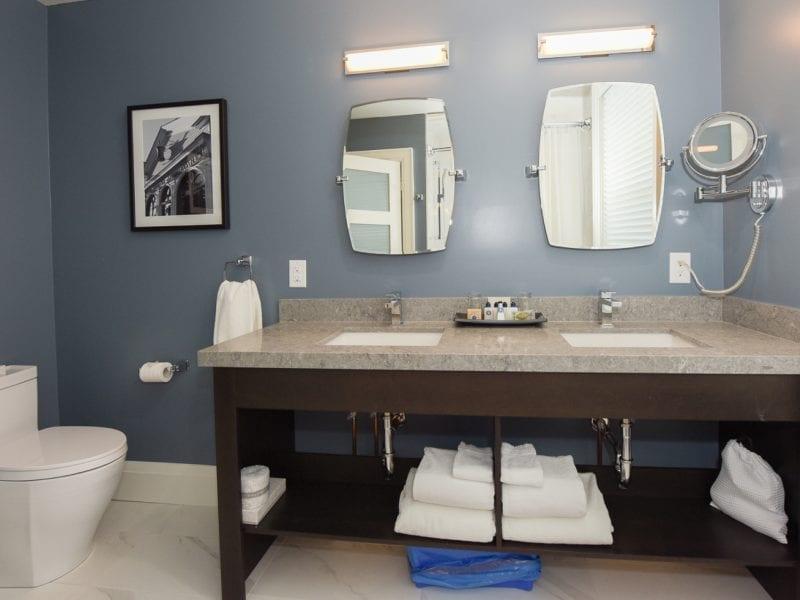 double-queen-bathroom