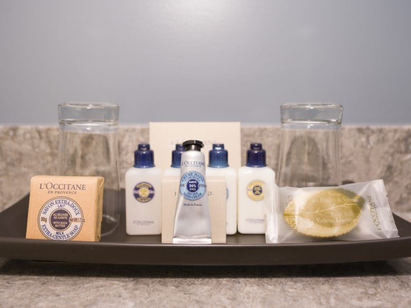 hotel-bathroom-amenities