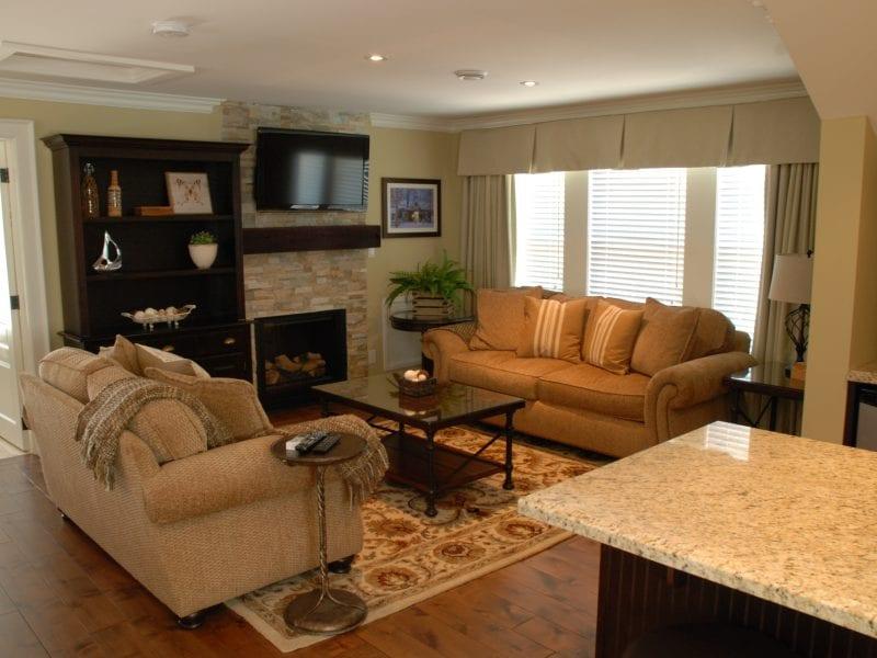 studio-suite-couch-2