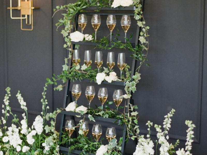 weddings-wine-glasses-shelf
